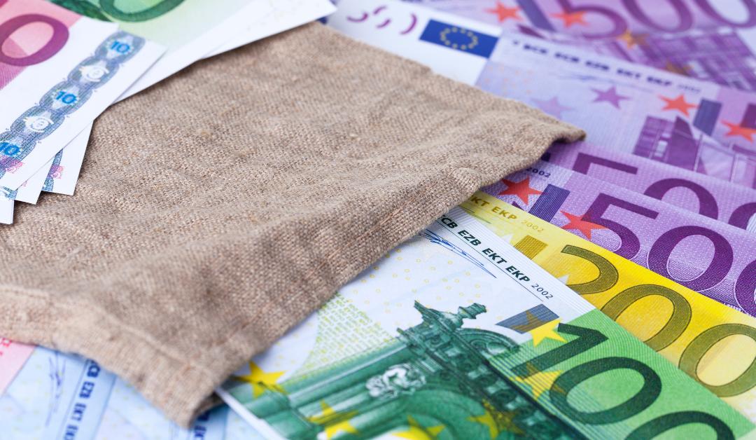 Riciclaggio: il possesso di somme di contanti al seguito non equivale a reato